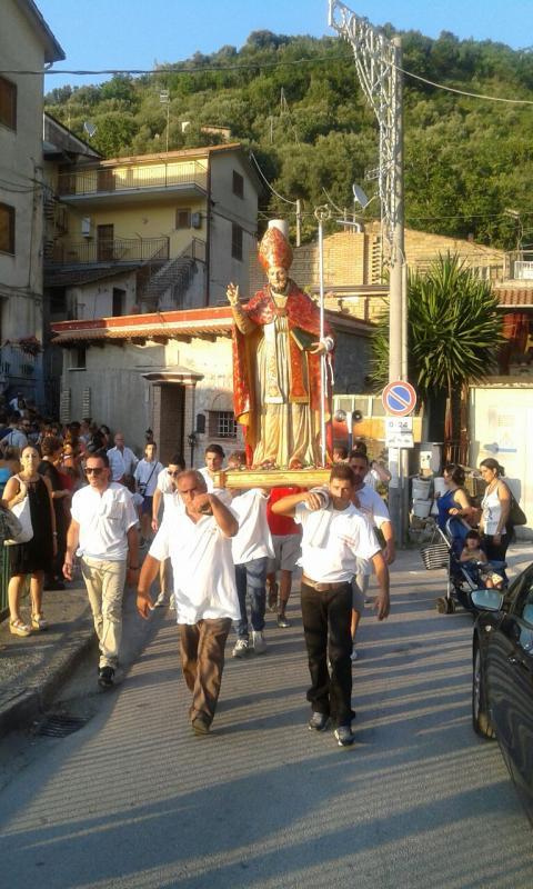 La processione per le vie della città